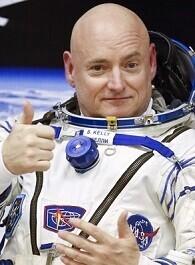 El cosmonauta Scott Kelly recuperó su tamaño al regresar a la Tierra.