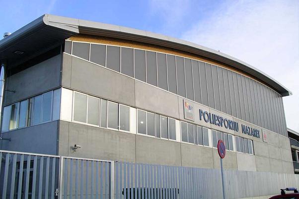 El polideportivo de Nazaret reutilizará el agua de la piscina para el riego de las instalaciones deportivas.