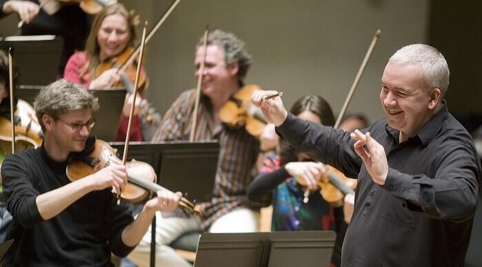 En el concierto de mañana, Les Musiciens du Louvre interpretarán obras muy conocidas del genio de Salzburgo.