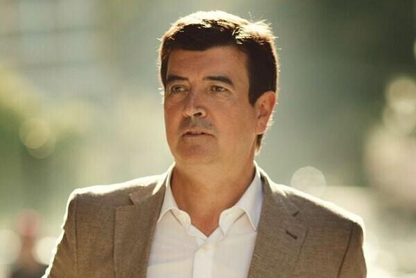 Fernando Giner urge a Joan Ribó a coordinar la política de comercio.