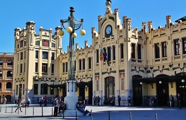 Habrá un dispositivo especial en las estaciones de Valencia Norte y Joaquín Sorolla durante las Fallas.