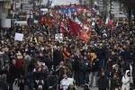 Huelga general en Francia ante las reformas laborales del Gobierno de Hollande.