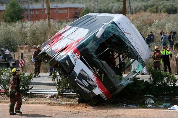 Identifican a las 13 víctimas mortales del accidente de autocar de Tarragona.