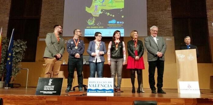 Joan Ribó, Alcalde de Valencia junto a Maite Girau, Isabel García, Isabel Lozano, Sergi Campillo y Xavier Martín.
