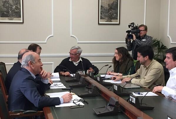 Joan Ribó lamenta que el PP no sea capaz de abordar y limpiar su propia corrupción.