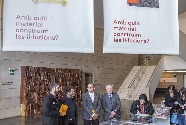 José Miguel G. Cortés 'El IVAM se abre al arte moderno de las fallas'.