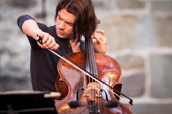La Orquesta de Valencia y Capuçon interpretan en el Palau el 'concierto para violonchelo', de Dvorák (Foto-Gregory Batardon).