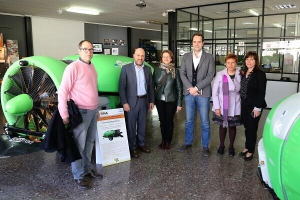 La consellera de Agricultura visita Cheste para conocer el sector de primera mano.