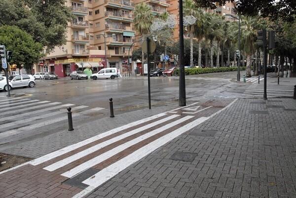 Movilidad Sostenible refuerza la seguridad peatonal en los carriles bici sobre acera.