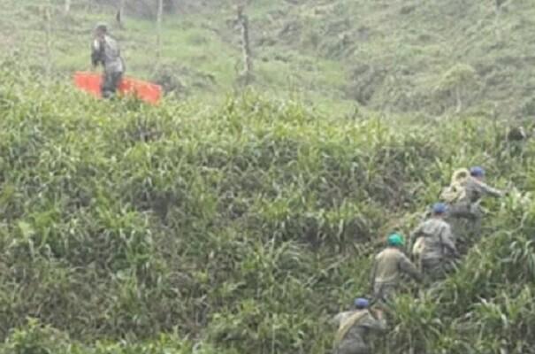 Mueren 22 militares al estrellarse avión en Ecuador. (Foto eldiario.cl).