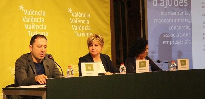 Pau Pérez Ledo, Pilar Moncho y Maribel Salom.