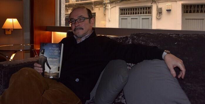 Puebla visitó Valencia presentando su nueva novela.