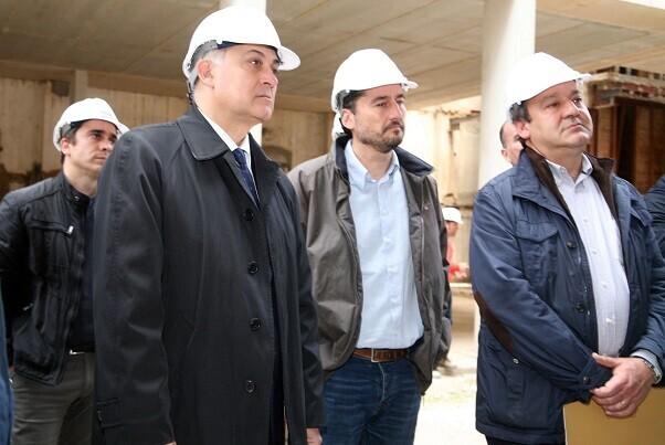 Sarriá, Calabuig y Peris visitan las obras de la antgua Harinera del Grao.