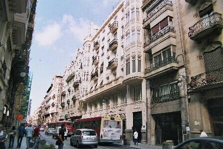Sarriá avanza que incorporará una carta cromática para que los edificios recuperen los colores históricos.