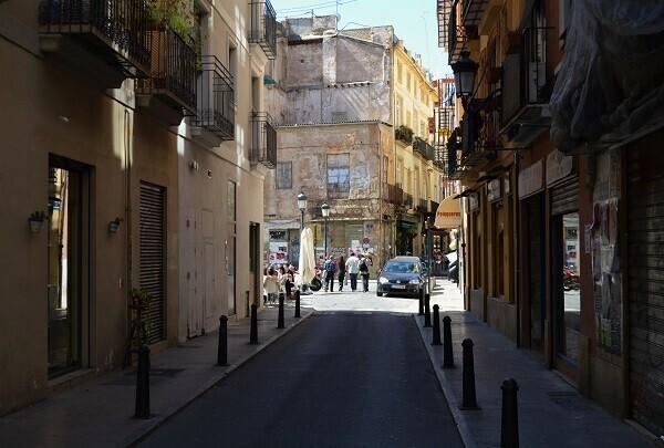 Se aprueba la normativa de la publicidad exterior en Ciutat Vella.