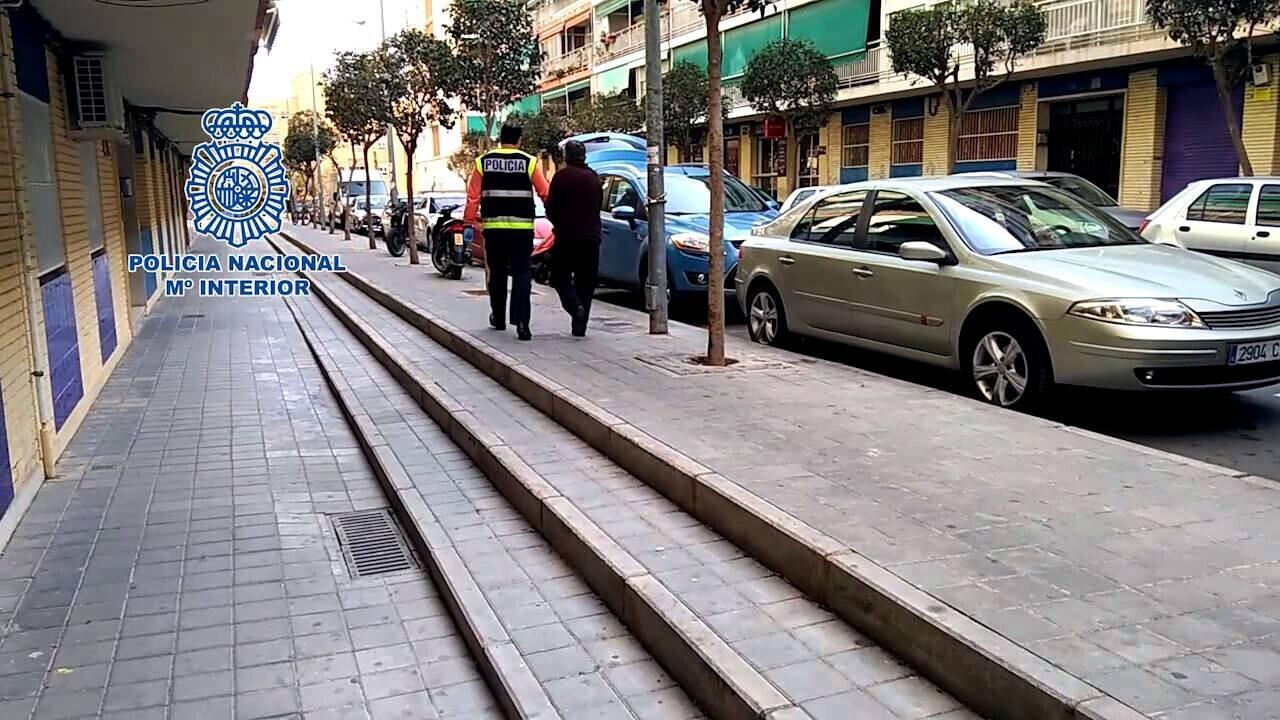 La Policía Nacional detiene en Alicante a un hombre de 71 años por abusar sexualmente de cuatro menores