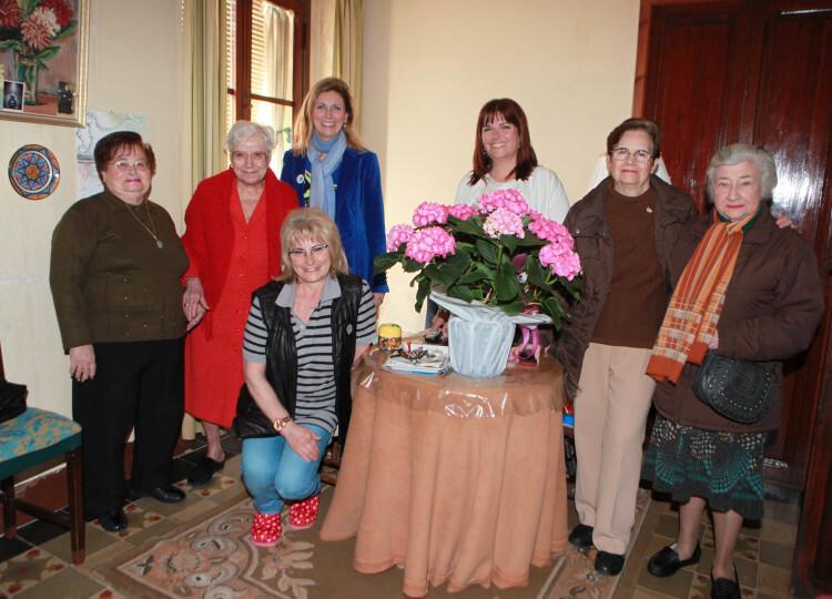 160406 felicitación a centenaria Carmen  (3)