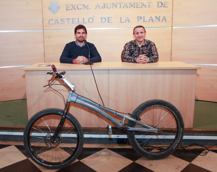 160425 Exhibició de Trial en Bici (1)