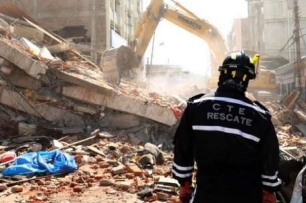 Asciende a 525 los fallecidos por terremoto en Ecuador.