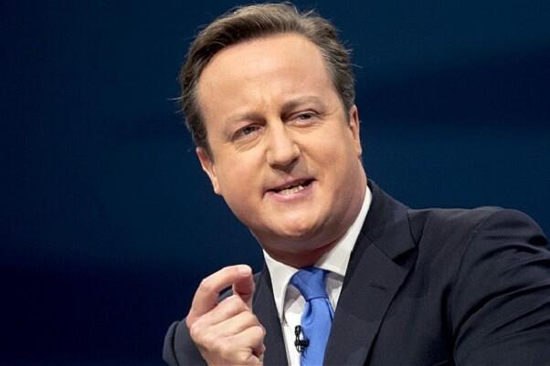 Cameron anuncia una ley para perseguir a bufetes y bancos que ayuden a la evasión fiscal.