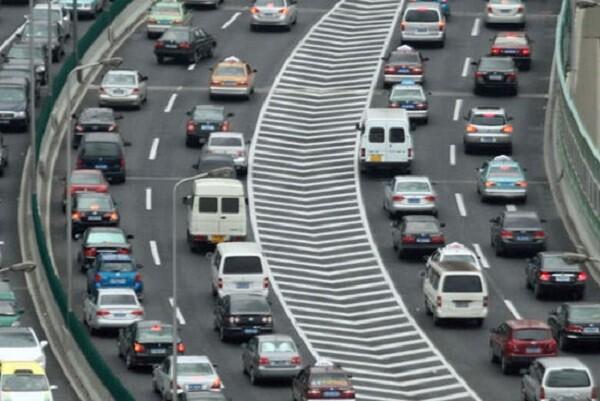 Comienza la operación del puente de mayo con casi 5 millones de desplazamientos.