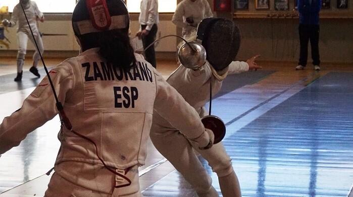 Cristina Alonso en un enfrentamiento con  Andrea Zamorano.