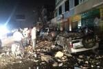 Ecuador declara el 'estado de excepción' tras un terremoto de 7,8 que deja decenas de muertos.