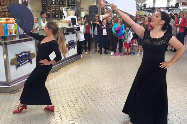 El Mercado Central conmemora el Día Internacional de la Danza.