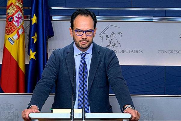 El PSOE acepta 27 de las 30 iniciativas de Compromís para alcanzar un acuerdo de Gobierno.