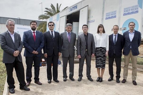 El embajador de Ecuador agradeció a Jorge Rodríguez el envío de la planta potabilizadora a las zonas afectadas por el seísmo.