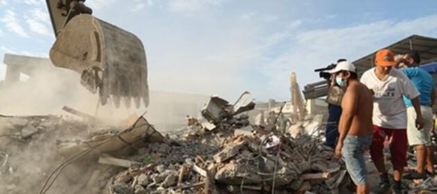 El sismo de magnitud 7,8, el peor en casi 40 años, afectó a 1.532 edificaciones.
