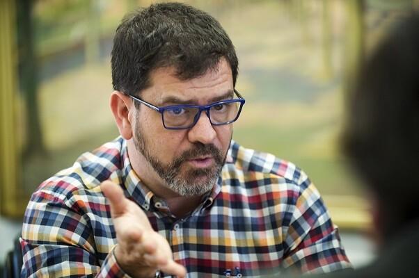 Emili Altur anuncia que la Diputación avanzará el 85 por ciento del importe de los PPOS a los municipios. (Foto-Abulaila).