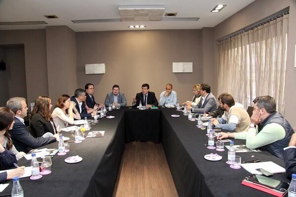 Fernando Giner- 'Ciudadanos renuncia al uso de coches oficiales en todas las instituciones de la Comunitat'.