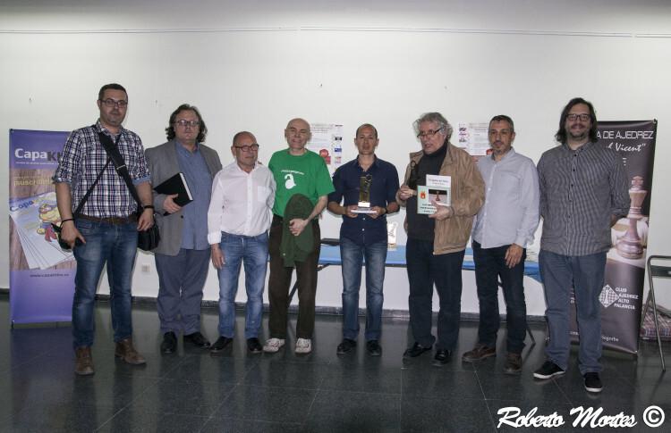 Los ganadores, junto a miembros de la organización y el alcalde de Segorbe, Rafael Magdalena, y el concejal de Cultura y Deportes, Pedro Gómez