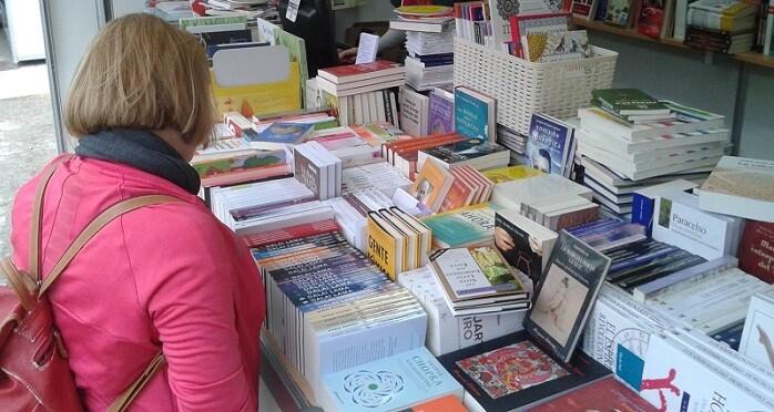 La Comunidad Valenciana se encuentra por debajo de la media española con un 56,8 por ciento de lectores frecuentes.