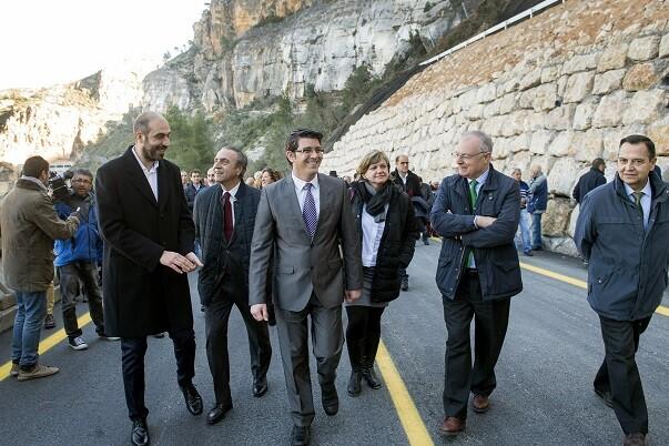 La Diputación cumple con Cortes e invierte 4 millones para garantizar la seguridad de la carretera.