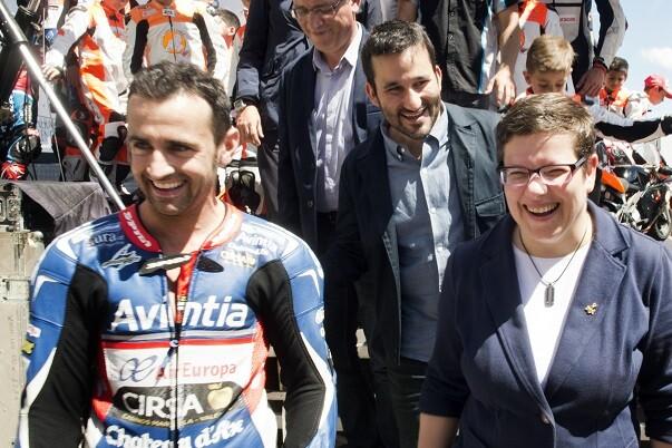 La Diputación reparte las ayudas al motociclismo entre 39 pilotos valencianos formados en el Circuit. (Foto-Abulaila).