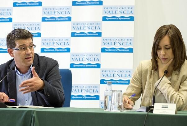 La Diputación y Egevasa envían a Ecuador una planta potabilizadora móvil para abastecer de agua a las zonas afectadas por el sismo. (Foto-Abulaila).