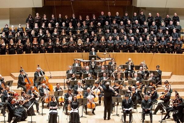 La OV y el Philharmonia Chorus interpretan en el Palau 'Un réquiem alemán', de Brahms.