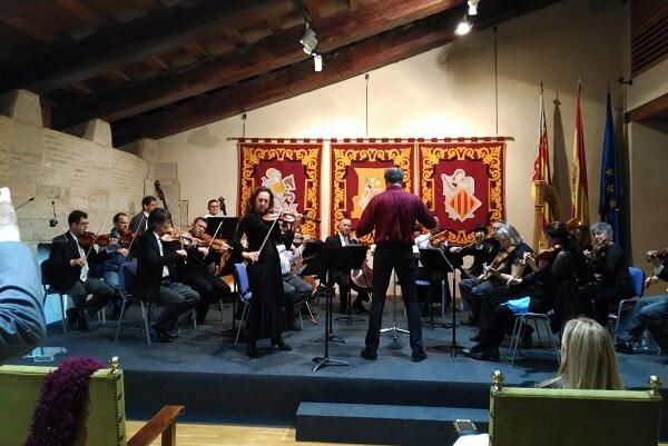 La Orquesta de Valencia interpreta un concierto gratuito en la Lonja.