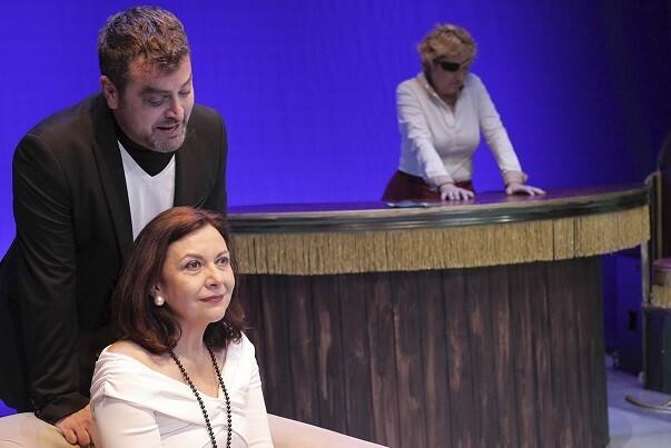La perversidad de las relaciones humanas en 'La Más Fuerte', el nuevo espectáculo de Bramant Teatre.