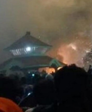 La tragedia ocurrió en el templo de Puttingal, en el estado sureño de Kerala.