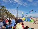 Las playas de Valencia se llenan de cometas en el 19 del Festival Internacional del Viento (15)