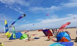 Las playas de Valencia se llenan de cometas en el 19 del Festival Internacional del Viento (24)