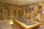 Los arqueólogos examinan la tumba de Tutankamón en busca de la reina Nefertiti.