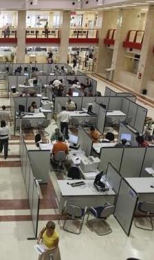 Se calcula que unos 225.000 empleados públicos cobrarán la paga.