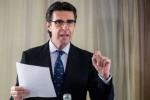 Soria descarta dimitir y comparecerá en el Congreso para explicar su relación con 'Los Papeles de Panamá'.