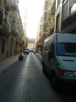 Vehículos estacionados en La Carrera