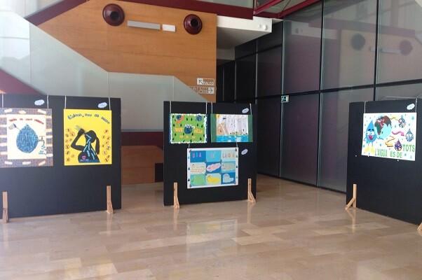 Aigües de Cullera celebra el Día Mundial del Medio Ambiente con una cata de aguas y una conferencia sobre uso responsable.