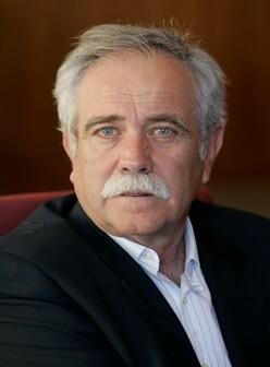 Antonio Pérez Henares.